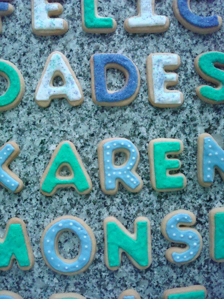 cookie / letras de galleta https://www.facebook.com/pages/Mr-Pato-galletas-decoradas/265782900205392