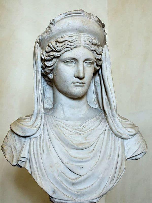 Deméter Diosa De La Agricultura Y La Fertilidad De Los Griegos Dioses Romanos Estatuas Griegas Esculturas De Arte