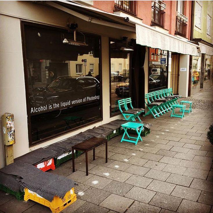 Amelie verrät uns heute die besten Bars in München. Kiss in der Landwehrstraße, Robinson Bar und die Garcon Bar gehören zu ihren Favoriten.