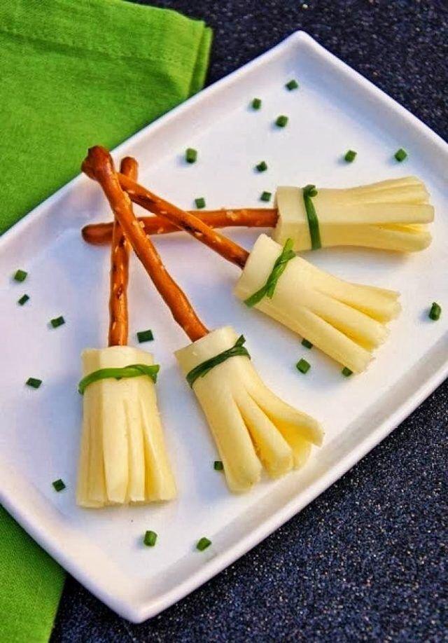 Hexen sticks Salzletten mit Scheiben-Käse und schnittlauch