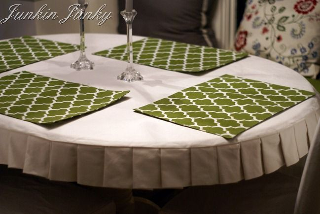 Pleated table cloth - cute way to dress up a table.... Maybe I'll make one to fit a card table, and have a nice post-kids'-bedtime, table-for-two dessert with Randy in the backyard sometime.