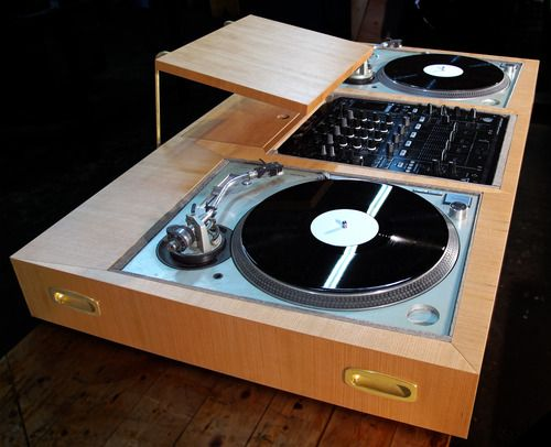 die besten 10 dj pult ideen auf pinterest dj pult dj. Black Bedroom Furniture Sets. Home Design Ideas