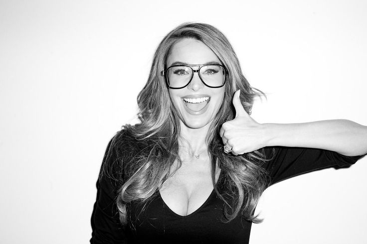 Sofia Vargara ....why are glasses such turn on?