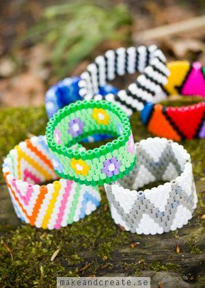 Armband av plastpärlor - Pyssel & pysseltips - Make & Create
