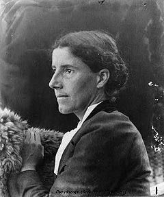 a view on gender roles in the yellow wallpaper by charlotte perkins gilman Gilman was writing in order to expose the gender, class, and racial inequalities of  society  played an important role in the suffrage movement and the post-1960s  feminist movement,  guidance surrounding views of gender equality  6  charlotte perkins, the yellow wallpaper, (brooklyn: the feminist press, 1973.