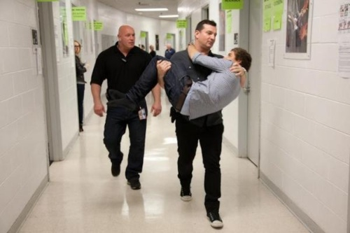 Paul and Liam backstage at the Izod Center, NJ. <3 Babysitter Paul. :3 Paul Higgins and Liam Payne being freaking hilarious :'D One Direction