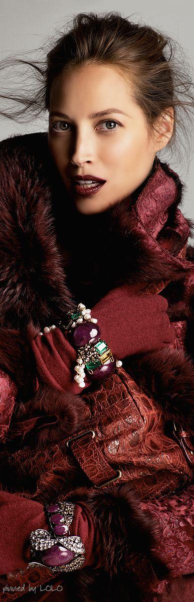 Christy Turlington wearing a Marsala coat #marsala #pantone #coloroftheyear