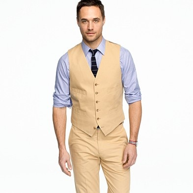 Yes to the vest for groom and groomsmen :)