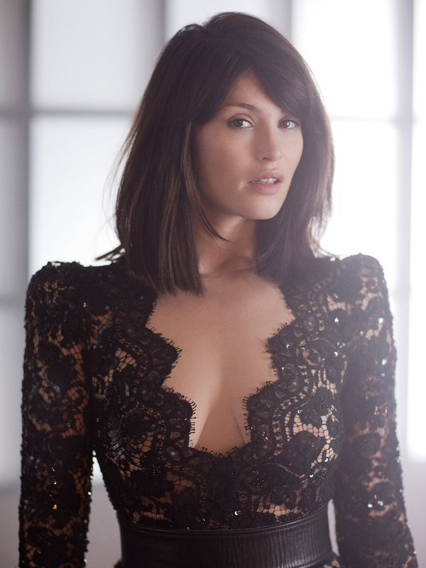 Sexy Gemma Arterton (40+ photos) - Sharenator