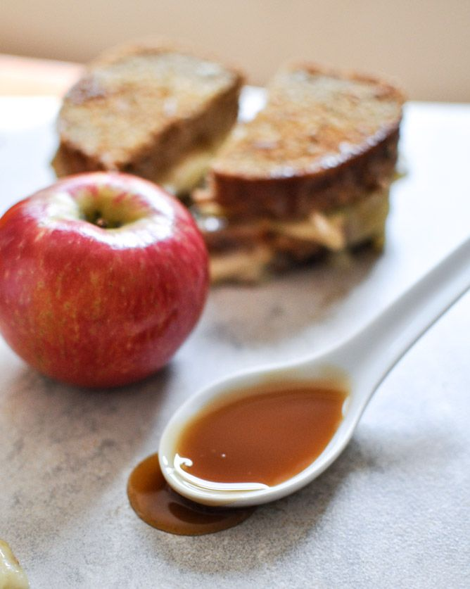 caramel apple grilled cheese- wow! all of my favorite things in one ...
