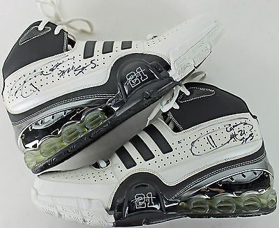 """Tim Duncan """"#21 Spurs"""" Authentic Signed Game Used Adidas Bounce Shoes PSA/DNA"""