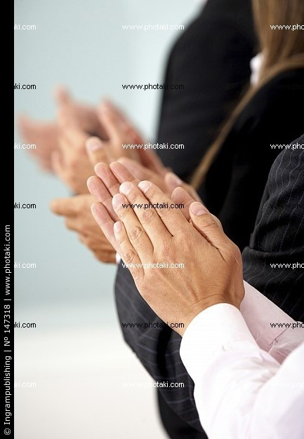 http://www.photaki.com/picture-business-team-clapping-a-good-presentation-in-an-office_147318.htm