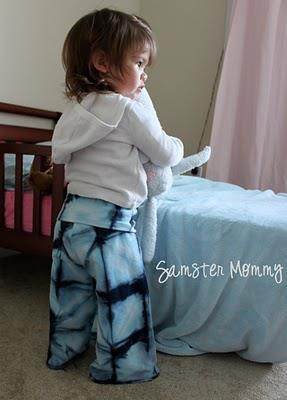 This little man's yoga pants have a fold-down waist and were upcycled from a pair of Lucky brand sweat pants. How sweet are they? Sweet enough to eat? I say, YES! Nom nom nom nom nom!    http://www.littlepinkmonster.com/2010/03/01/diy-baby-toddler-yoga-pants/