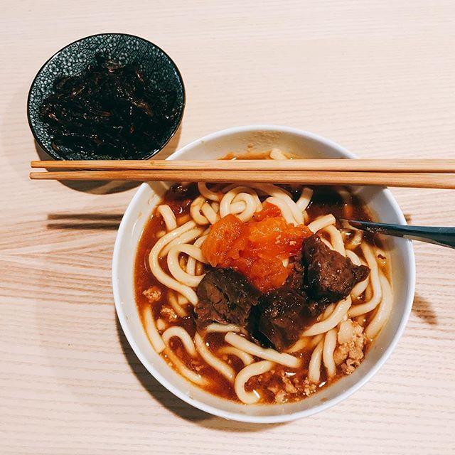 牛肉番茄烏冬 #うどん #トマト #肉 #豚肉 #牛肉 #醤油 #美味しい #おいしい #昼ご飯