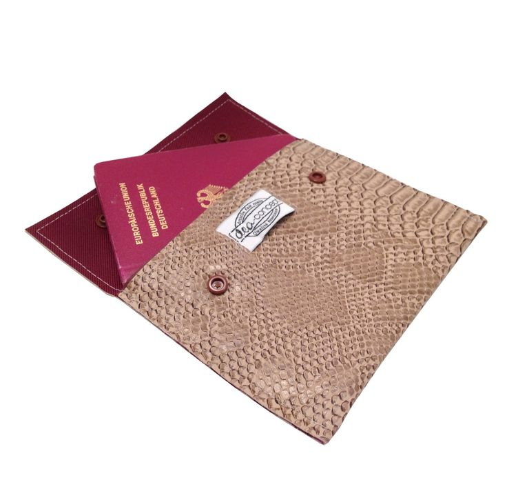 Pochette rangement passeport carte de fidélité-Simili cuir dragon de Komodo beige-Homme/Femme-Intérieur au choix-fait main deaconcept de la boutique deaconcept sur Etsy