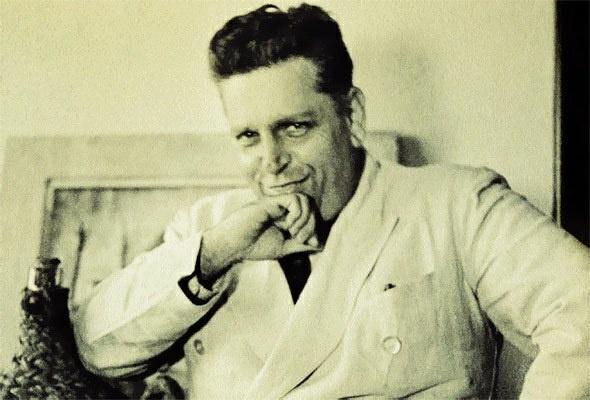 Oswald de Andrade - foi um escritor, ensaísta e dramaturgo brasileiro. Um dos mais importantes introdutores do Modernismo no Brasil, foi o autor dos dois mais importantes manifestos modernistas, o Manifesto da Poesia Pau-Brasil e o Manifesto Antropófago, bem como do primeiro livro de poemas do modernismo brasileiro afastado de toda a eloquência romântica, Pau-Brasil.