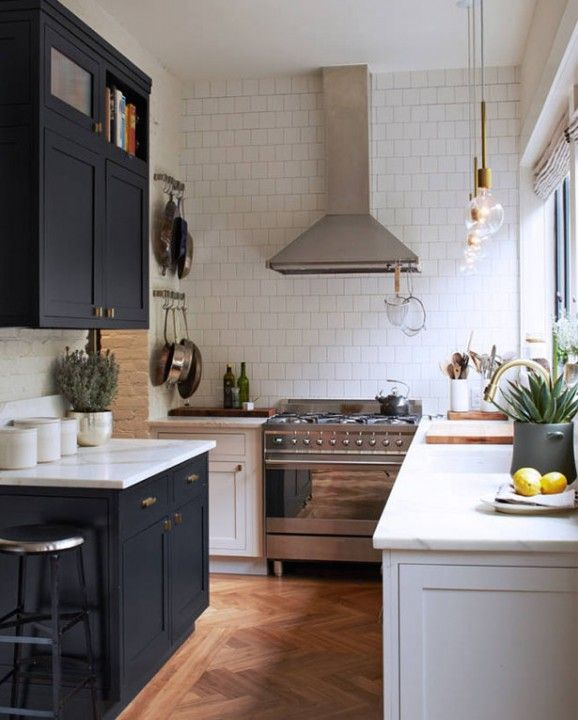Love these almost black cabinets