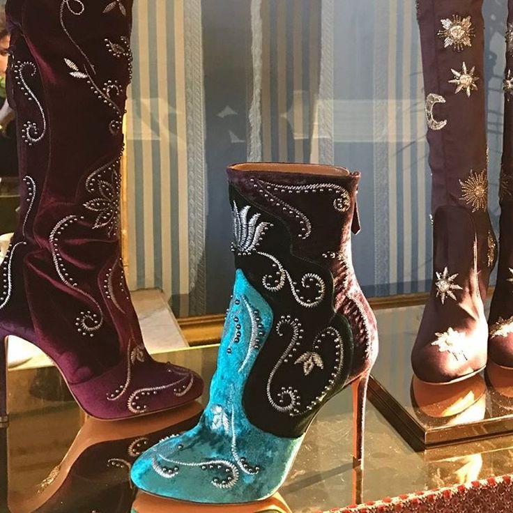 "1,185 Me gusta, 26 comentarios - Naty Abascal (@natyabascal) en Instagram: ""AMAZING PRESENTATION !!! BEAUTIFUL ....AT @AQUAZURRA #pfw  #fall17  #shoes  #colour  #love…"""