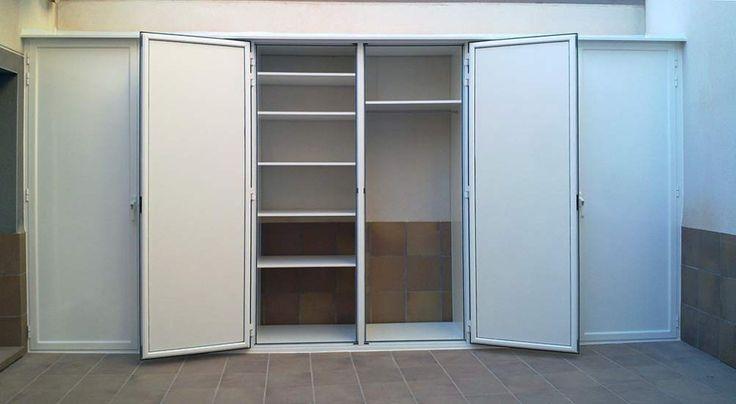 Especialistas en fabricación de armarios exteriores en aluminio para herramientas lavadoras calderas.