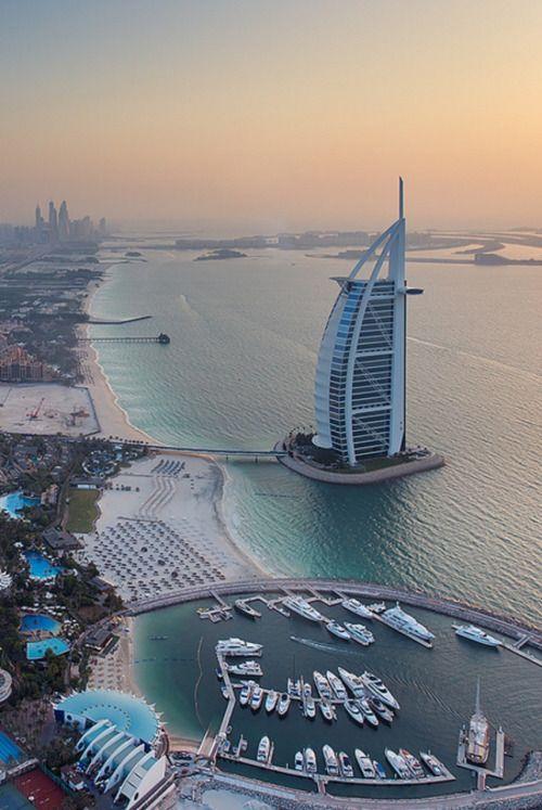 Dubaï -                                                                               The Burj Al Arab | Photographer Daniel Cheong