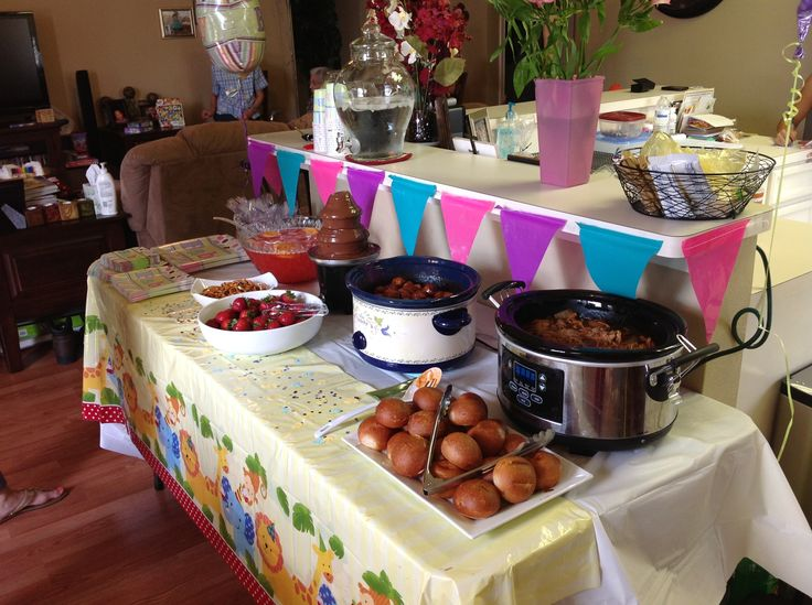 Food table setup for baby shower baby shower ideas for Baby clothesline decoration baby shower