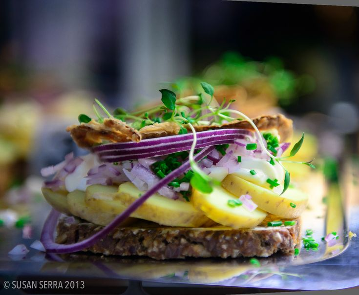One of the best open-faced sandwiches is the one with potatoes, mayonnaise, onions and chives! #smørrebrød #danish #food