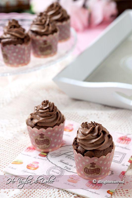 Cupcake al cioccolato con frosting alla Nutella