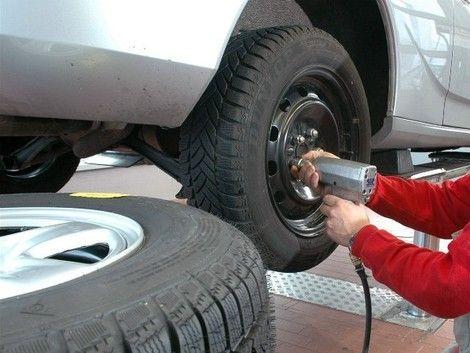 Odkedy mám celoročné pneumatiky, nemusím viac riešiť prezúvanie :) http://najpneu.com/blog/2016/08/19/vsetko-co-potrebujete-vediet-celorocnych-pneumatikach/