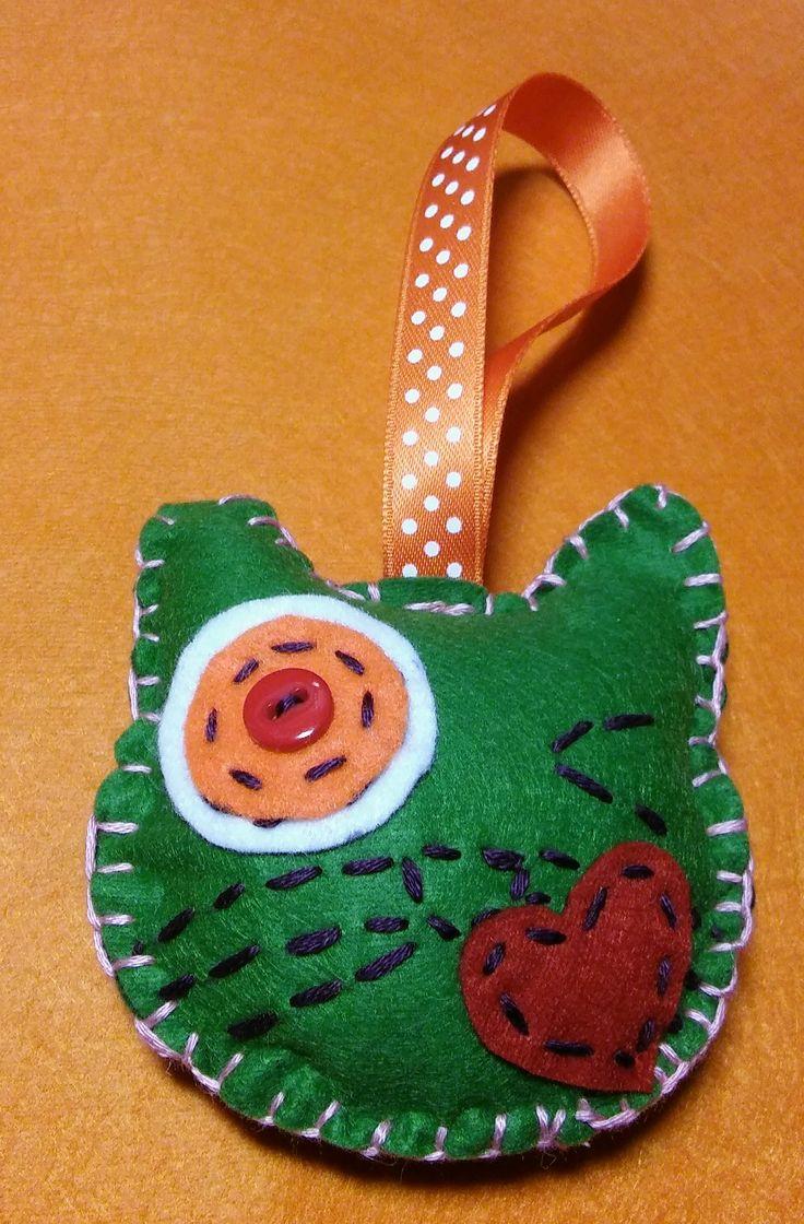 Felt cat made by me :)