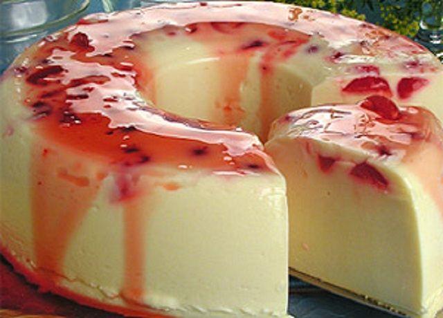 Receita de Pudim de Chocolate Branco com Cereja | Doces Regionais