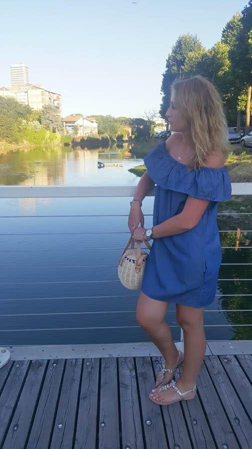 Amante delle borse da sempre, di quelle cestello e di paglia da quando ho acquistato la mia prima per il mare 10 anni fa. Da allora mi sono entrate nel cuore e non so proprio come dire di no, per questo appena vista da Zara me ne sono innamorata. Ecco qui la mia borsa cestello di paglia! Vi piace? #thesprintsisters #zara ZARA