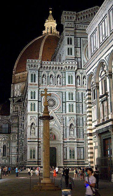 Preciosa catedral de #Florencia http://www.florencia.travel/lugares-para-visitar/la-catedral-de-florencia/ #turismo #viajar #Italia #Toscana