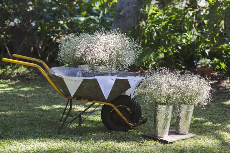 bunches and bunches of Baby's Breath were brought in for this baby shower, styled by elk.