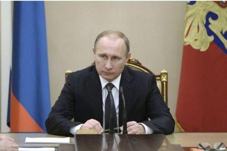 Russia's Putin Congratulates Trump On Election Win