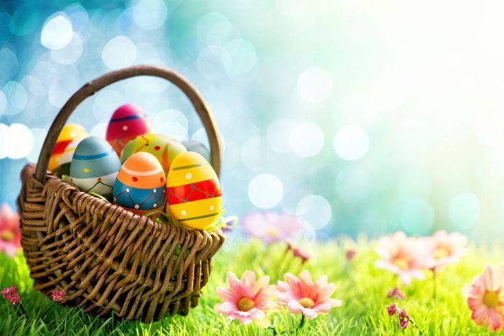 Ένα από τα πιο διαδεδομένα έθιμα του Πάσχα είναι το βάψιμο των αυγών τη Μεγάλη Πέμπτη. Τα χρωματιστά αυγά τα συναντάμε στην αρχαιότητα, στη Ρώμη, στην Ελλάδα, στην Κίνα, στην Αίγυπτο, ως δώρα στις ανοιξιάτικες γιορτές μαζί με κουνέλια τα οποία είναι σύμβολο της γονιμότητας.