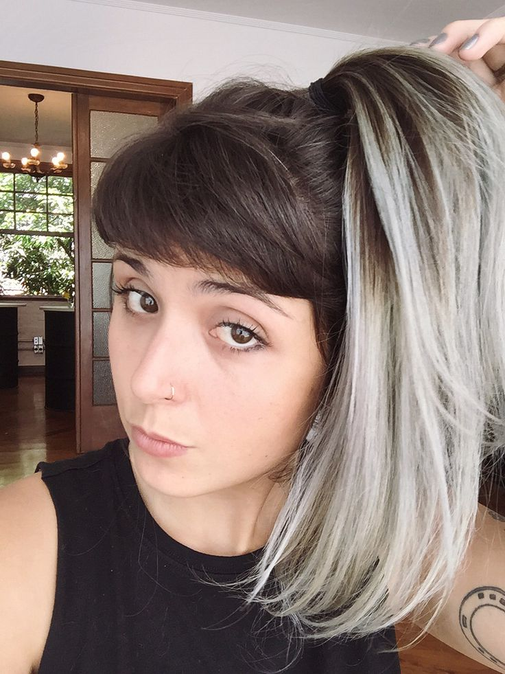 Granny hair, don't care. Cabelo cinza ou prateado.