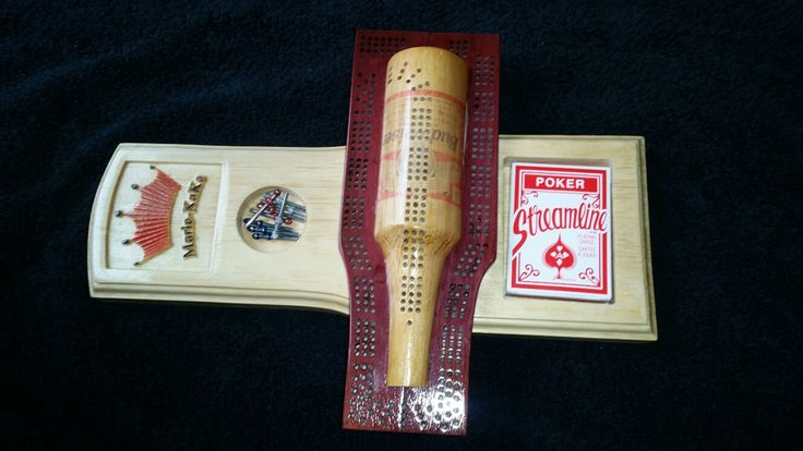 My first cribbage board.  Ma premiere planche de cribble