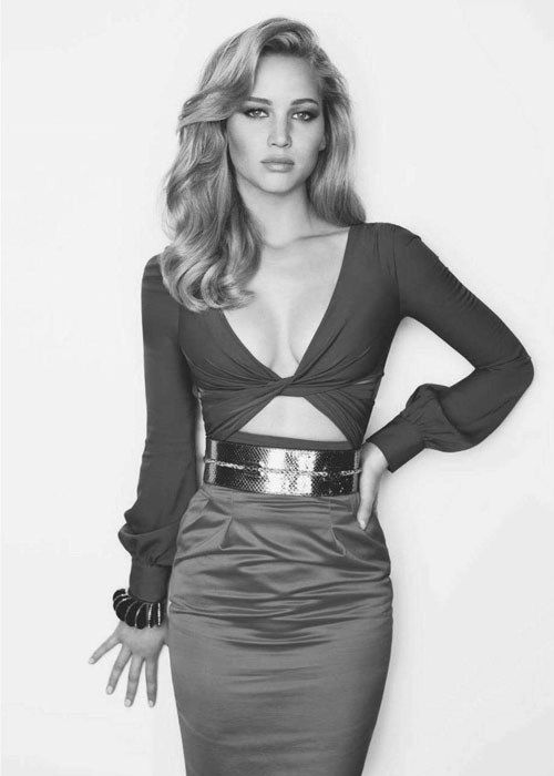 i love jennifer lawrence. she has the perfect body and she seems really down to earth and level headed