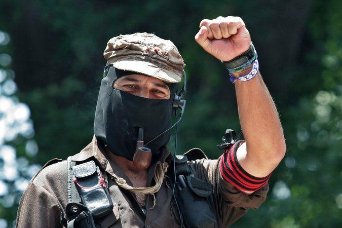 ] SELVA LACANDONA, Chis. * 29 de agosto de 2017. The New York Times Los zapatistas, los revolucionarios con mayor poder en México en casi cien años, están deponiendo las armas tras décadas de oponerse al gobierno por una sencilla razón: México está tan plagado de violencia, dicen, que el país ya...