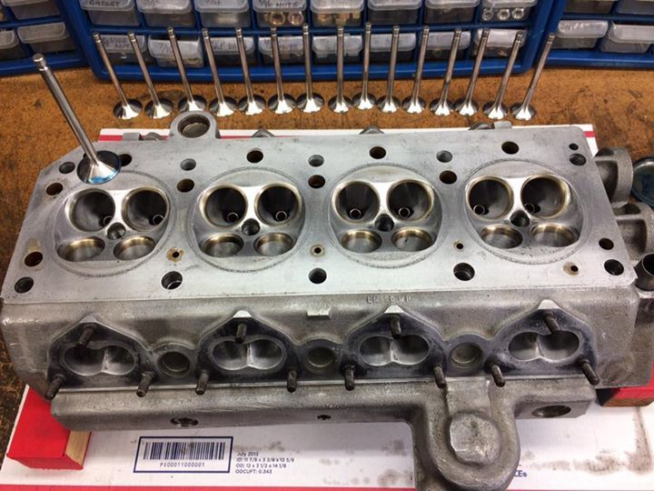 Pretty amazing if you look at 90% of modern 16 valve cylinder heads from Honda, Toyota, Ford etc they all look just like a Cosworth BDA.. ground breaking design from the 1960's. #lgmultiart #carlife #vintageracing #vintageracecar #vintageclothing #suixtil #retrocar #racecar #motorsport #motorracing #whenracingwasracing #oldracing #historicracing #oldf1 #formulaone #formula1 #formel1 #gp_race #classicracing #historicalracing #instaracing #instacars #historicracing #classiccarspotting…
