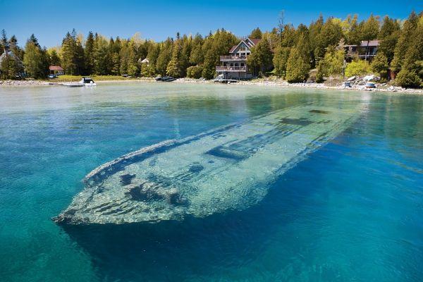 Tobermory, Ontario, Canada #LakeHuron #FreshwaterDiveSite