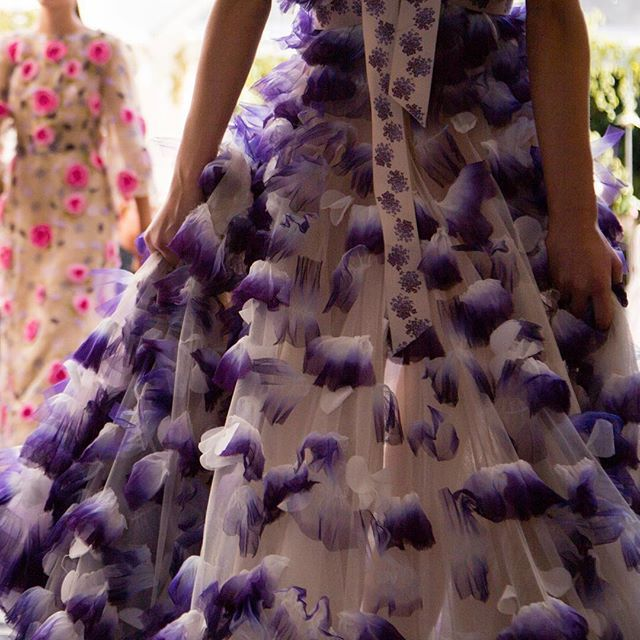 A Lilac Dawn  #LuisaBeccaria_SS16 •  #luisabeccaria#dreamydresses#petals#hautecouture#bridalatelier#drramydress#weddinginspiration#colorpurple