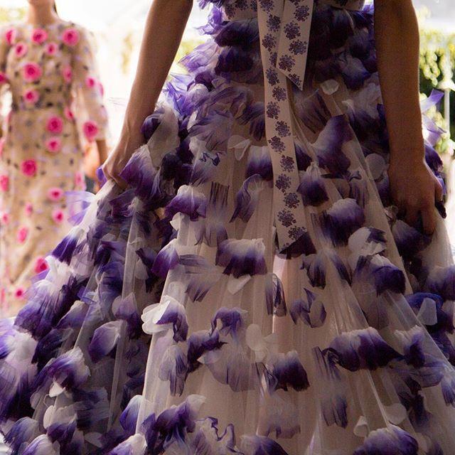 A Lilac Dawn  #LuisaBeccaria_SS16 •  #luisabeccaria#dreamydresses#petals#hautecouture#bridalatelier#drramydress#weddinginspiration#colorpurple