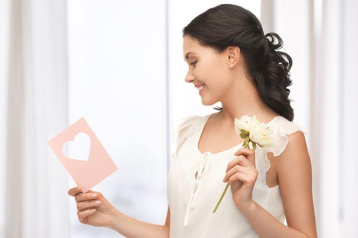4 ide undangan pernikahan unik dan bermanfaat: Daripada ujung-ujungnya menjadi sampah, kenapa tidak jadikan undangan pernikahan Anda berkesan dan multi guna?