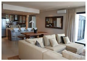Luxury self-catering 4 star hotel in the hub of Hermanus western Cape tel. 028 312 312 6