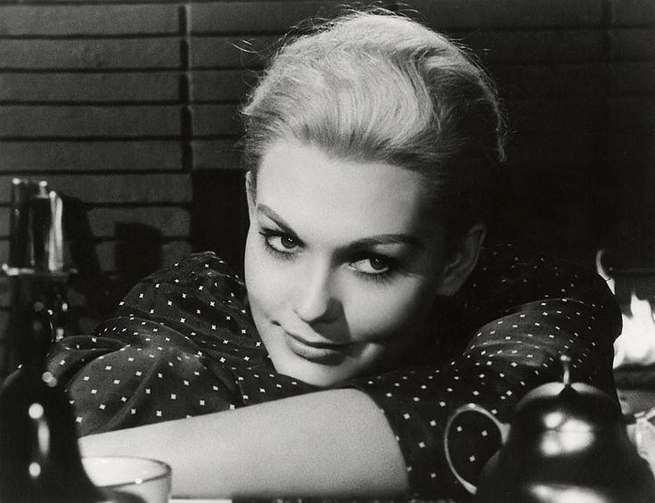 Hitchcock Leading Ladies: Silver Screen's Blonde Stars: Kim Novak
