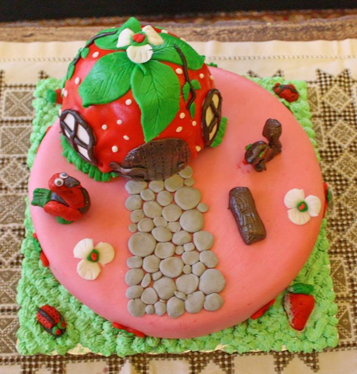sugarpaste birthday cake for my daughter's birthday