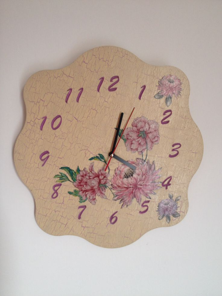 Diy decorated clock w/ crakle