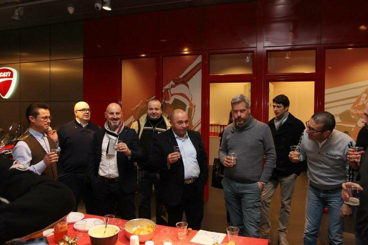 Gli auguri di Natale dal DOC Ducati Divina e dal Ducati Store Treviso