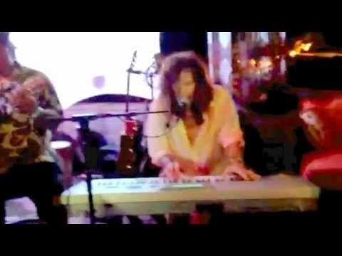 """Steven Tyler """"Dream On"""" Fleetwoods Maui"""